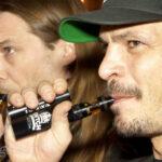 James Bond mit E-Zigarette?