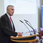 Präsentation von Prof. Peter Hajek bei eGarage Insight