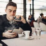 Studie sieht Zusammenhang zwischen Dampfen und Keuchen